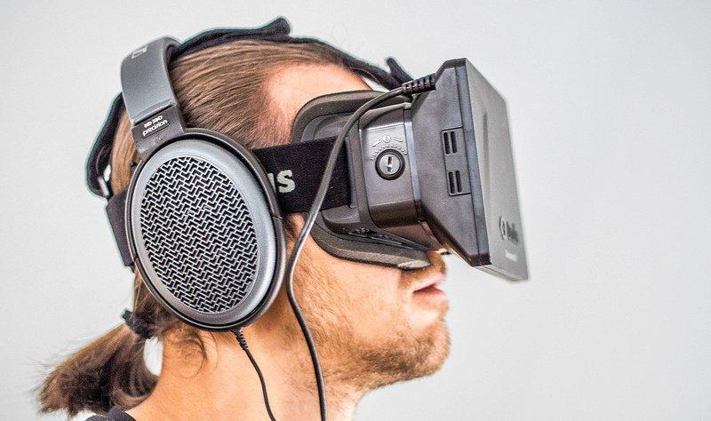Oculus rift vs. 3D projector